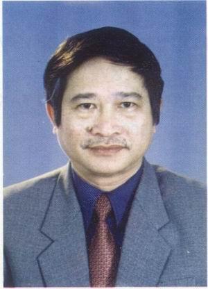 TIẾN SĨ NGUYỄN NGỌC NHUẬN Nguyên Phó Viện trưởng Viện Nghiên cứu Hán Nôm (1999 - 2004)